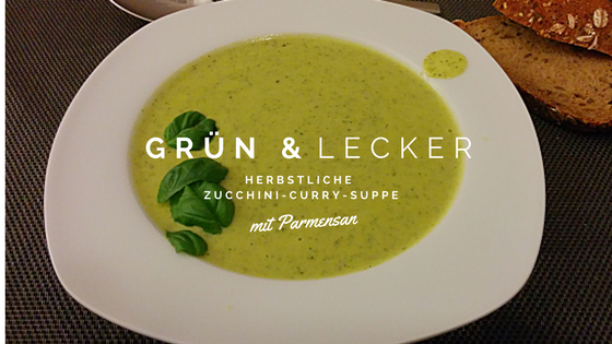 Zucchini-Curry-Suppe mit Parmesan