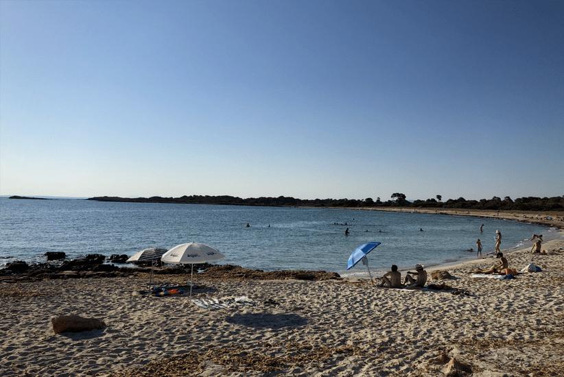 Malerischer Sandstrand von Es Caragol Mallorca